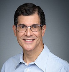 Head shot Dr. Peter Michaelson, DMD